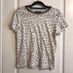 Abercrombie & Fitch White gray leopard print tee S